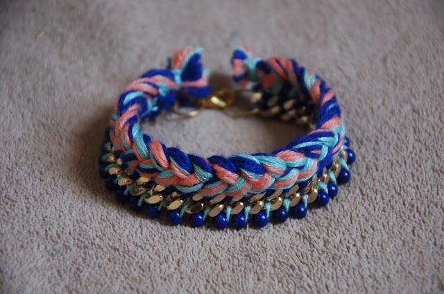 DIY – Bracelet tressé avec chaîne et perles graphic
