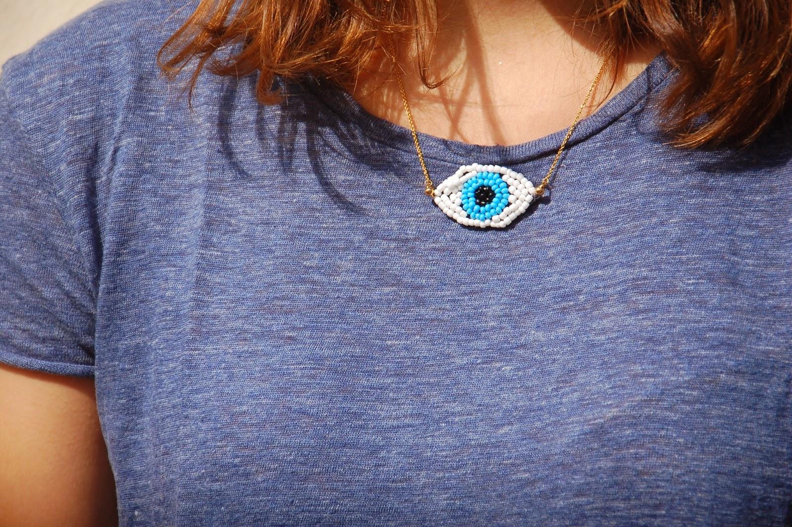 DIY – Le collier oeil brodé de perles graphic